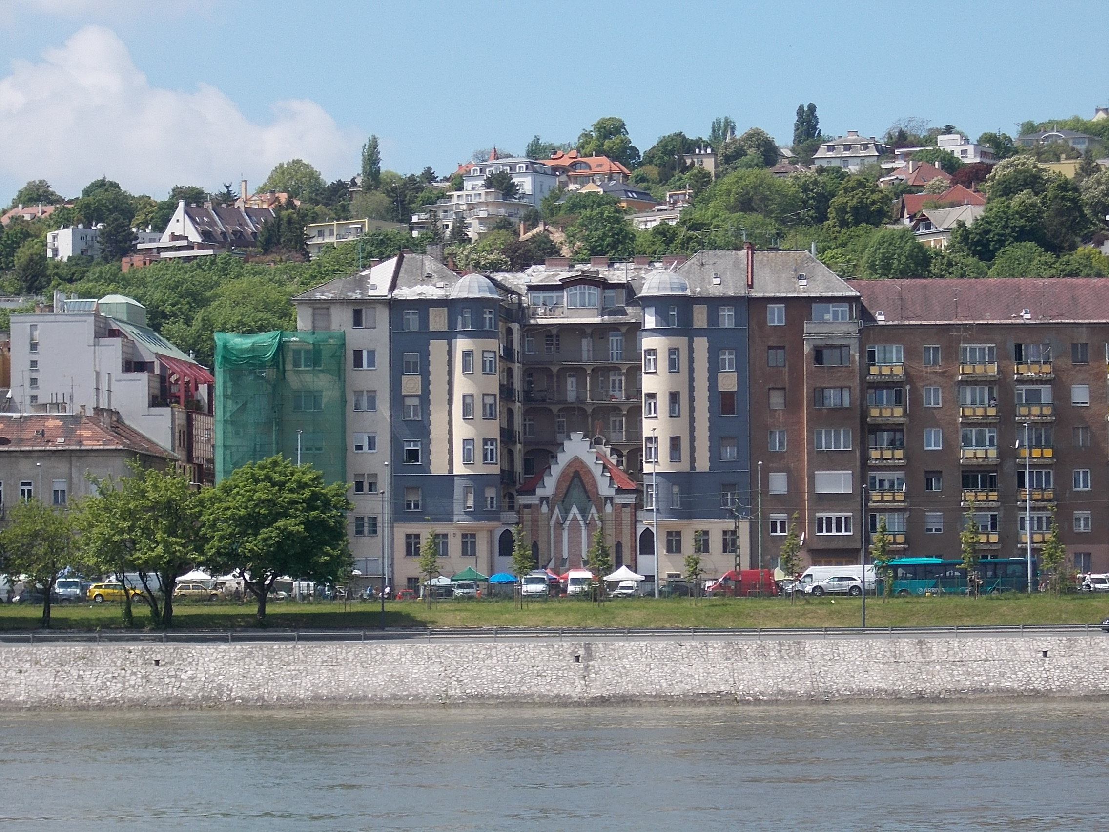 ujlaki-zsinagoga-wikipedia.jpg