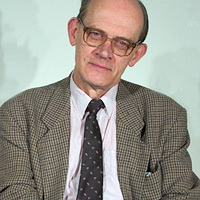 70. születésnapja alkalmából az Akadémián köszöntötték Marosi Ernő művészettörténészt.
