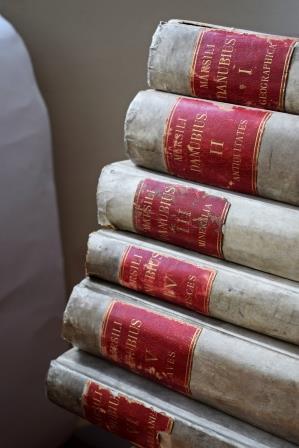 Egy olasz hadmérnök a Duna mentén – Történelem és természettudomány hat kötetnyi pergamenen 1726-ból