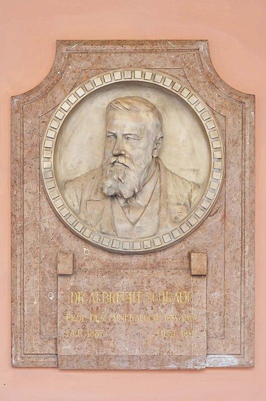 """Trianon 100 – Az eggonit, a kétszeresen is """"külföldre szakadt"""" magyar ásvány"""