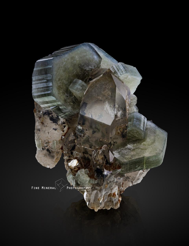 apatite_quartz_muscovite_panasquiera_mine_covilh_castelo_branco_portugal_47x42mm.jpeg