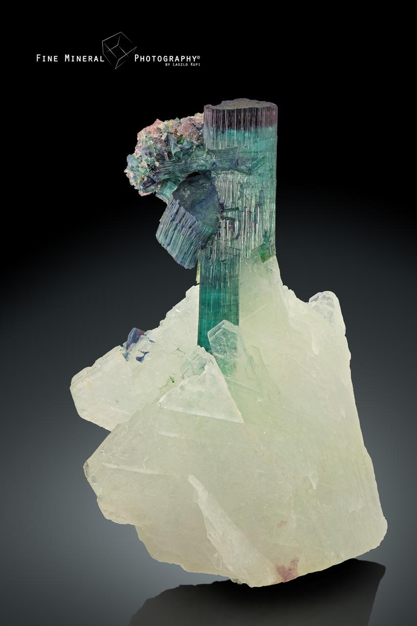 tourmaline_quartz_pederneira_sa_o_jose_da_safira_doce_valley_minas_gerais_brazil_38x55mm.jpeg