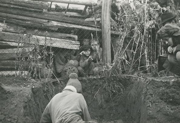 Nézőközönség az ásatáson