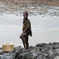 Először ismerte el bíróság a Shell felelősségét fejlődő országokbeli olajszennyezés ügyben