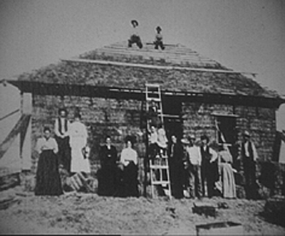 online-straw-house-pioneers-in-nebraska.jpg