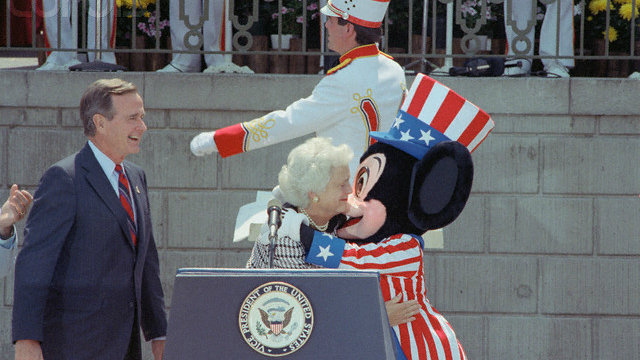 George-Bush_Disneyland.jpg