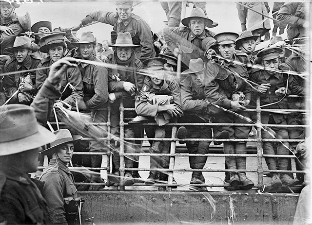 soldiers-aboard-the-australian-transport-ship-ajana-head-out-for-overseas-destinations-in-1916.jpg