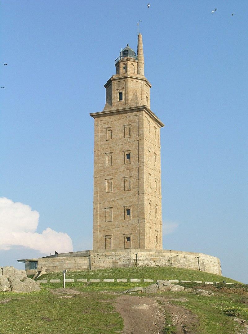 herkules-torony_wikimedia_commons_alessio_damato.jpg