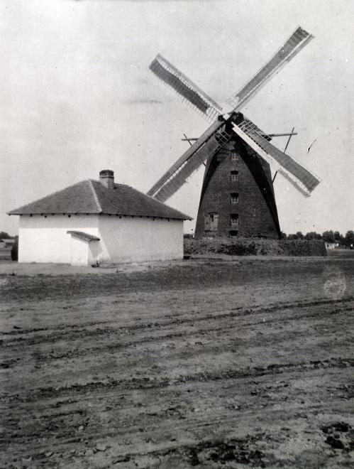 1916_magyarorszag_karcag_szelmalom_hanser_maria.jpg