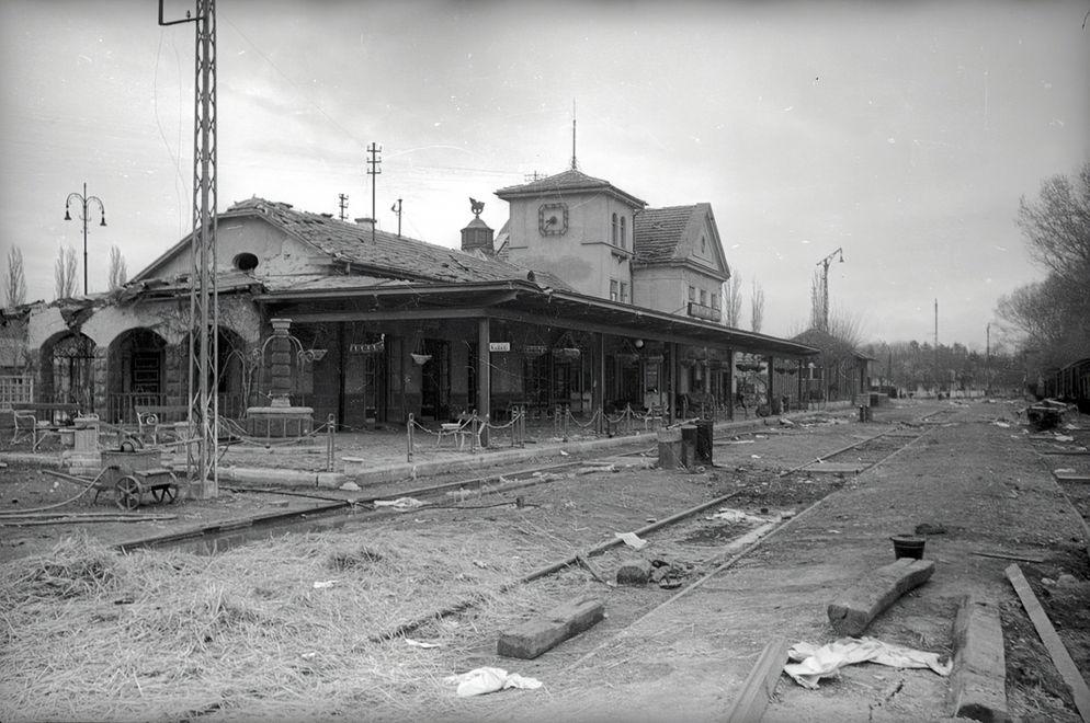 1945_voros_hsereg.jpg
