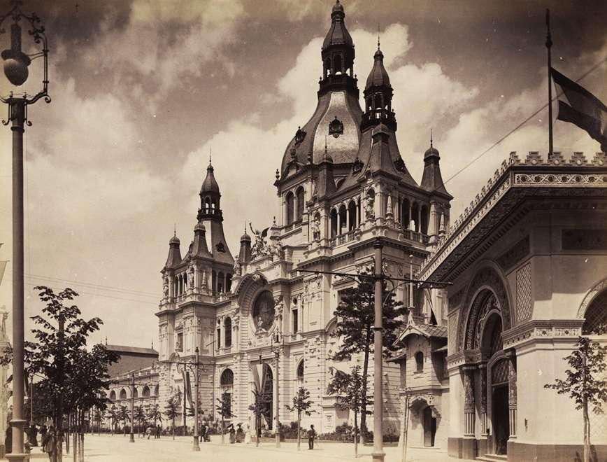 A Közlekedésügyi pavilon épülete (tervező: Pfaff Ferenc). <br /><br />Forrás: Fortepan / Budapest Főváros Levéltára. Levéltári jelzet: HU.BFL.XV.19.d.1.09.155
