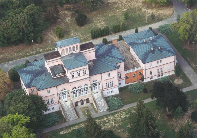 800px-ikervar_palace_wikip.jpg