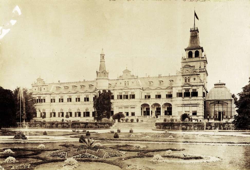Wenckheim-kastély. A felvétel 1895-1899 között készült. Kép: Fortepan / Budapest Főváros Levéltára. Levéltári jelzet: HU.BFL.XV.19.d.1.11.204