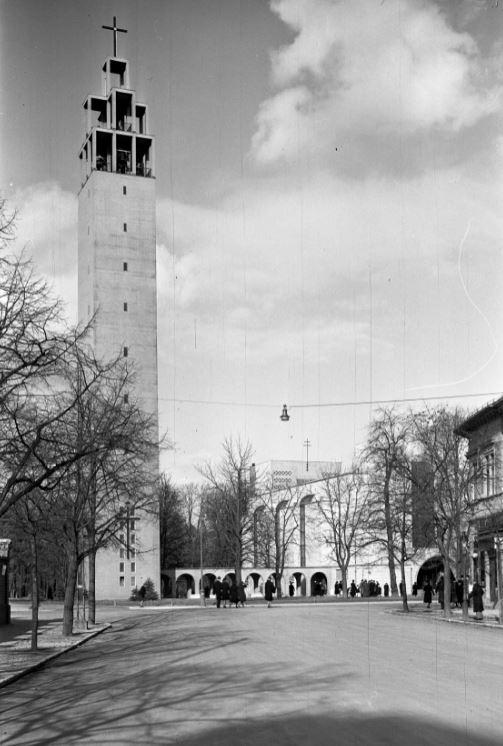 A Városmajori Jézus Szíve templom 1942-ben, kép: Fortepan / Lissák Tivadar