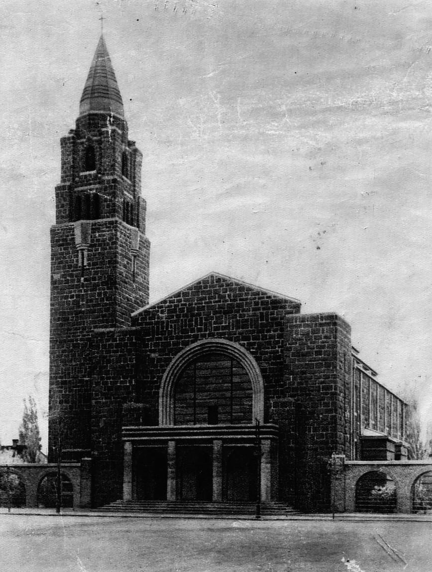 A győr-gyárvárosi Jézus Szíve-plébániatemplom. Kép: Wikimedia Commons