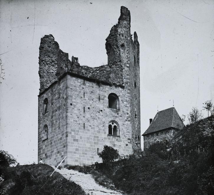magyar_foldrajzi_muzeum_diagyujtemeny_salamontorony_1906.jpg