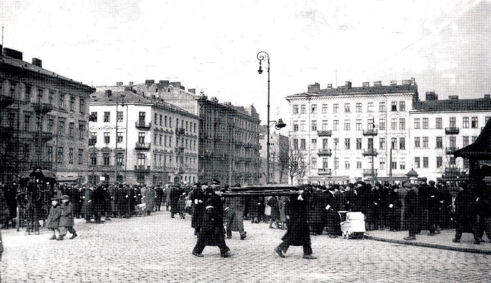 A Muranowski tér, ahol heves harcok folytak a gettófelkelés során.