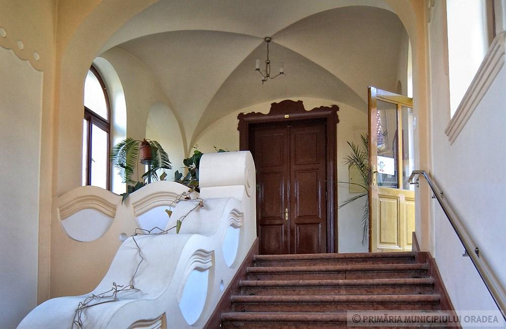 Hullámzó belső tér. Kép: oradea.travel