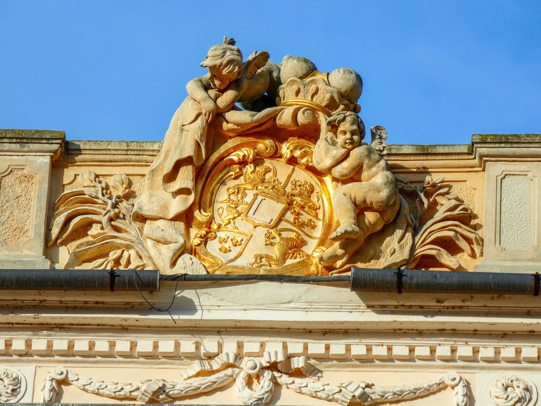 Az Esterházy címer a Belvederen.
