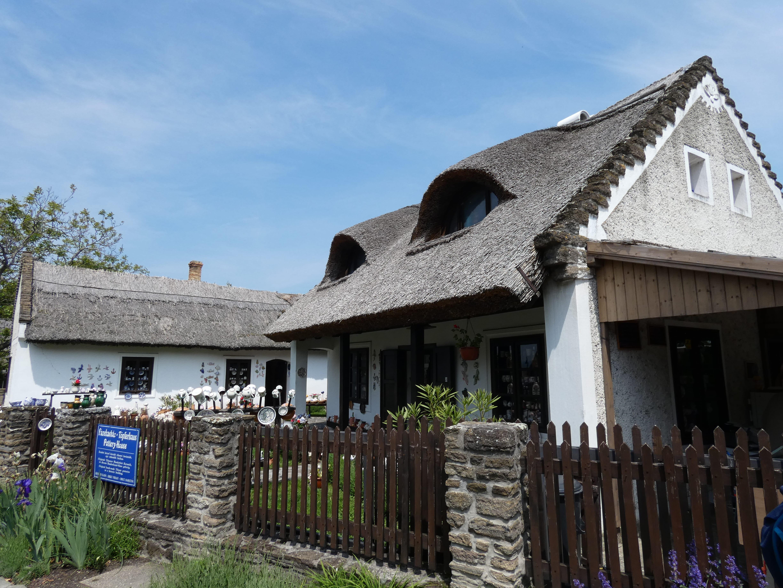 A Fazekas ház telkén álló másik épület előkerttel.