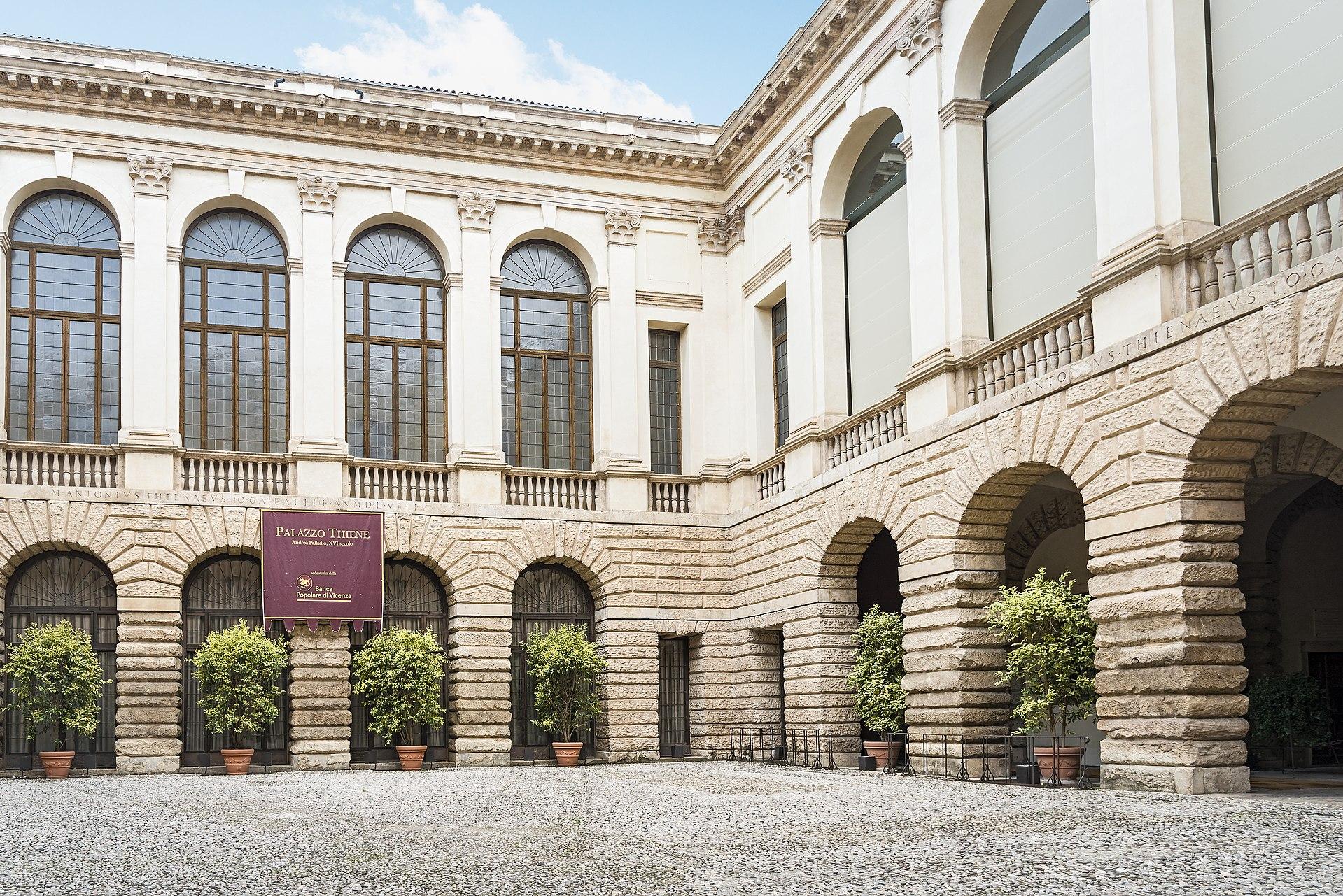 A Palazzo Thiene belső udvara.<br /><br />Kép: Wikimedia Commons / Didier Descouens