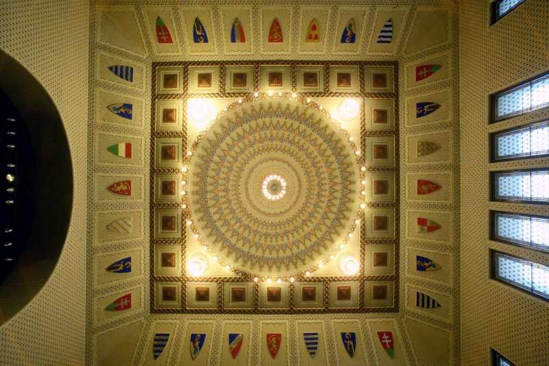 A Díszterem mennyezete. Kép: szecesszio.szegedvaros.hu