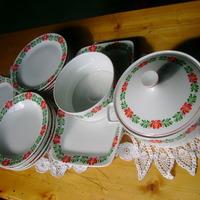Hollóházi porcelánok