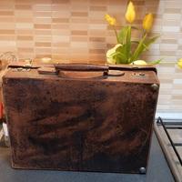 A múlt év utolsó bőrönd restaurálása