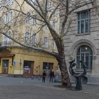 Solti György emlékszobra