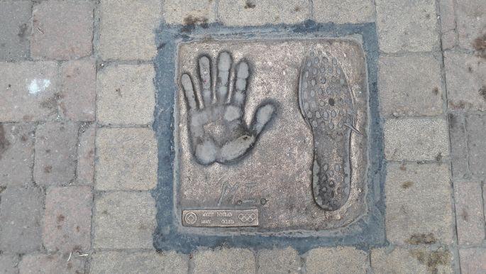 El camino, Belorado, hírességek tenyér- és lábnyomata - Miguel Indurain, olimpiai bajnok, ötszörös Tour de France győztes kerékpáros