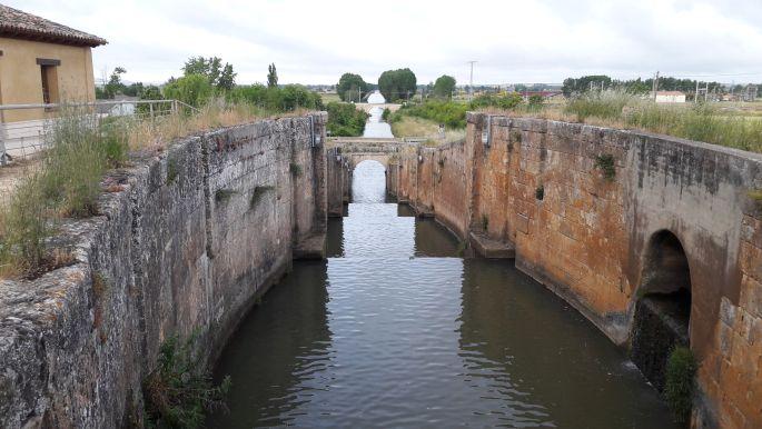El camino, Canal de Castilla zsilip