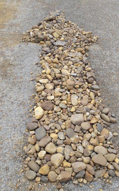 El camino, kő nyíl