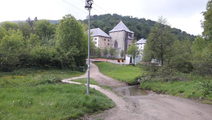 Végre előkerült Roncesvalles kolostora, a hőn áhított albergue!