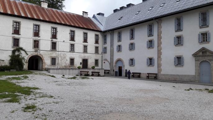 Roncesvalles, az albergue belső udvara.
