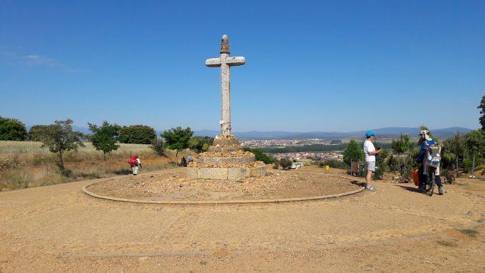 El camino, Cruz de Santo Toribio, a kőkereszt Astorga előtt.