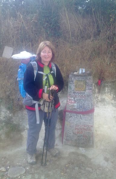 El camino, a régi 100-as útjelző kő és én, 2011-ben :-)