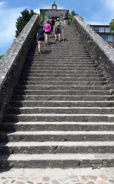 El camino, a meredek lépcsősor a portomaríni híd után