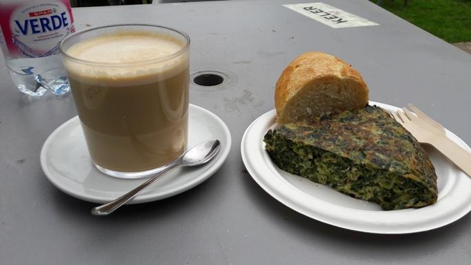 Spenótos tortilla és café con leche grande. :-)