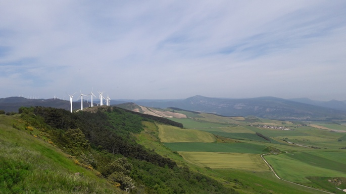 El camino, szélerőművek az Alto del Perdón hegyen