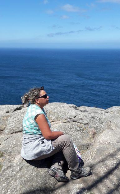 El camino, Finisterre, a végtelen óceán és Erika