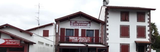 Az albergue erkélye a Rue Zuharpeta 3. szám alatt