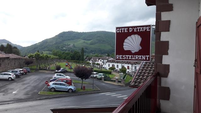Kilátás az erkélyről a Pireneusokra...