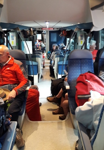 Vonat Saint Jean Pied de Port felé zarándokokkal