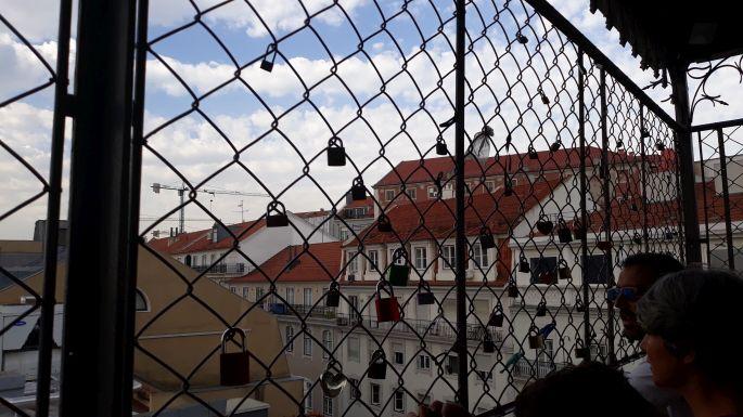 Lisszabon, Santa Justa lift, átjáró