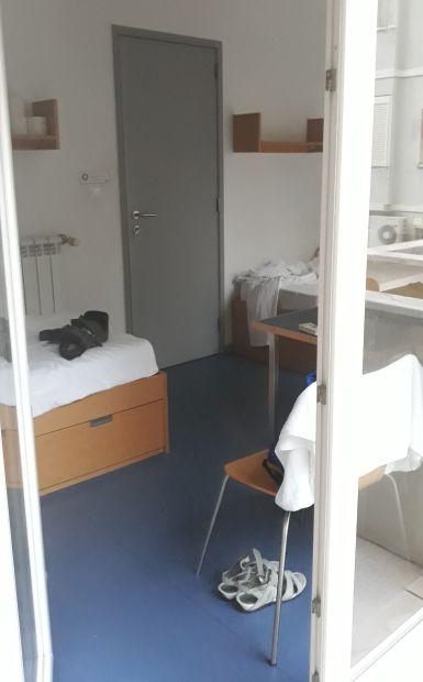 Lisszabon, Rooms & Experiences szállás, a szobánk az erkélyről fotózva