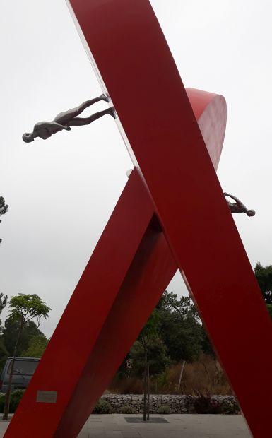 Portugál camino, Fátima, szív emlékmű oldalról