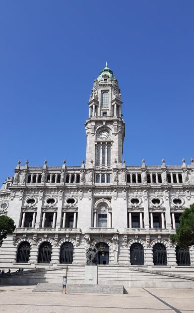 Portugál camino, Porto, városháza