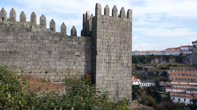 Portugál camino, Porto, Fernandina fal