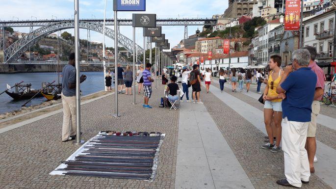 Portugál camino, Porto, parti sétány árusokkal