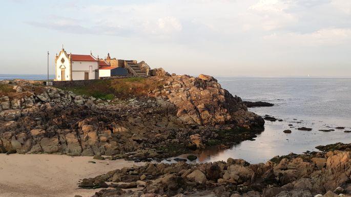 25_portugal_camino_costa_ocean_templom.jpg